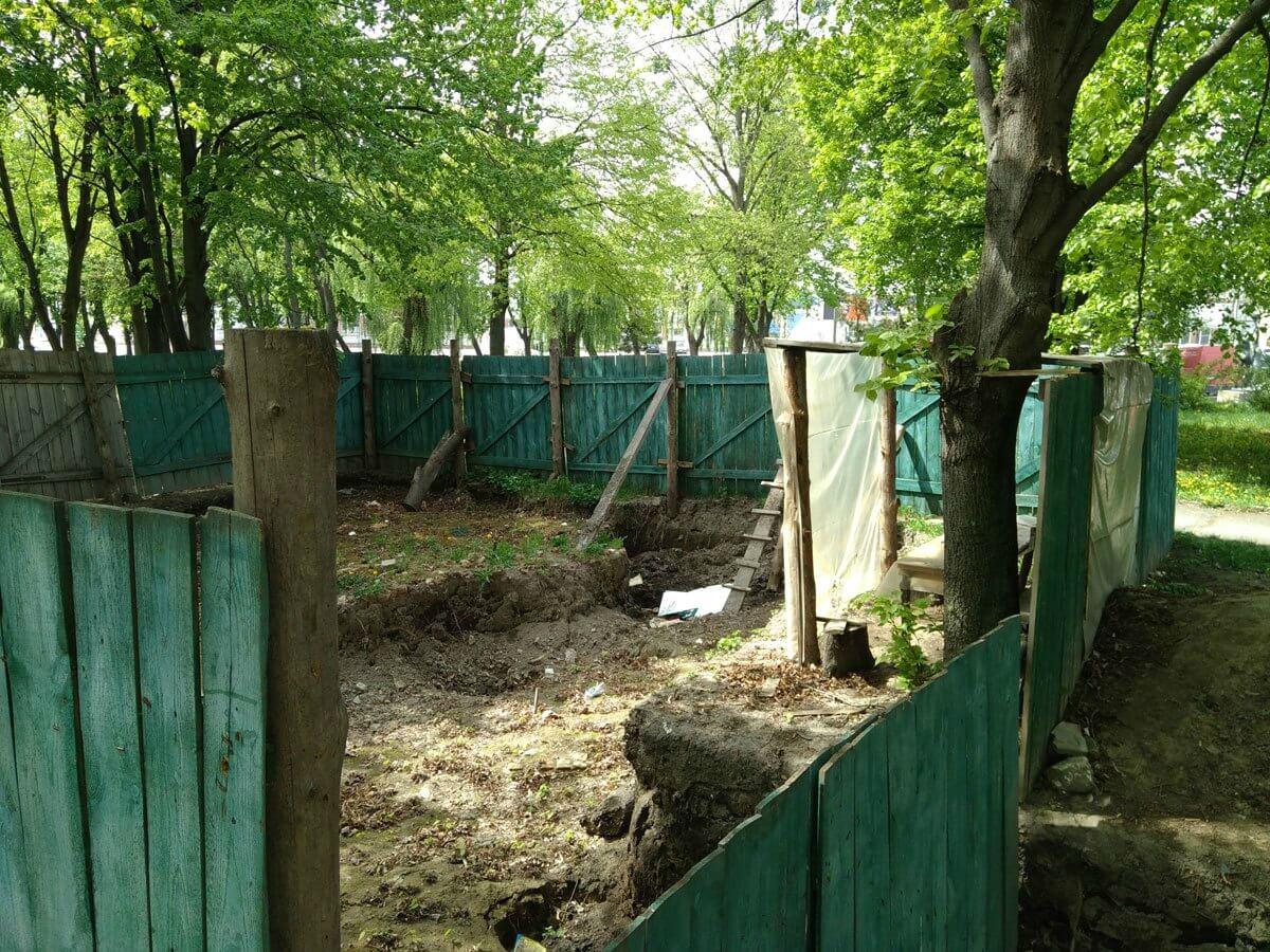 Місце-розкопок-на-Замковій