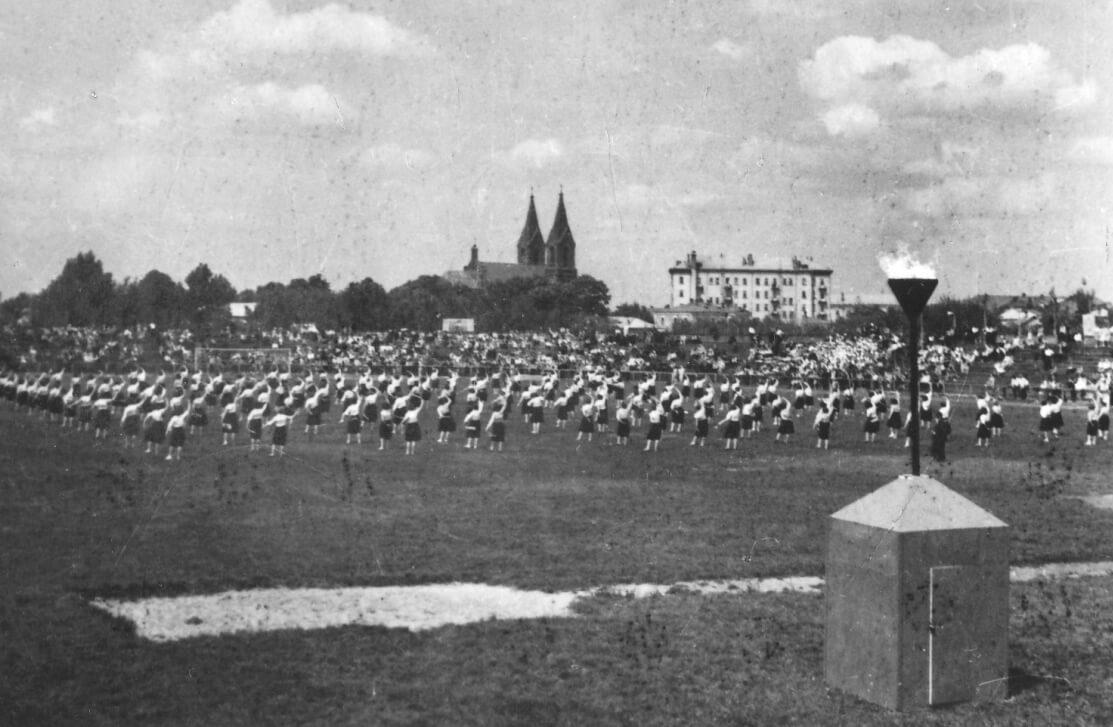 Оновлений-колишній-польський-стадіон-став-радянським-Колгоспником-середина-1950-х-рр.